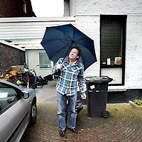 Nederland,Heemstede ,24 januari 2008..Frederik Leendert (Erik) van Muiswinkel (Eemnes, 4 augustus 1961) is een Nederlandse kleinkunstenaar die landelijke bekendheid verwierf door zijn bijdrages aan de televisieprogramma's Ook dat nog!, Kopspijkers en Studio Spaan. Hoewel Van Muiswinkel een veelzijdig artiest is, is hij vooral bekend als imitator..(Midden onder)