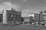 Berlin GERMANY, General view GV, 'Brandenburg Gate' Tuesday 16/06/2009, [Mandatory Credit. Peter Spurrier/Intersport Images] Street Photos