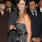 ITA/Rome/20061117 - Huwelijk Tom Cruise en Katie Holmes, Catherine Bell arriveren bij het hotel