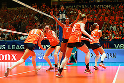 20180531 NED: Volleyball Nations League Netherlands - Brazil, Apeldoorn<br />Anne Buijs (11) of The Netherlands, Nicole Koolhaas (22) of The Netherlands, Celeste Plak (4) of The Netherlands <br />©2018-FotoHoogendoorn.nl