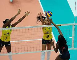 27-08-2010 VOLLEYBAL: WGP FINAL BRAZIL - USA: BEILUN NINGBO <br /> USA beats Brazil in five sets / Fabiana Claudino and Jaqueline Carvalho<br /> ©2010-WWW.FOTOHOOGENDOORN.NL