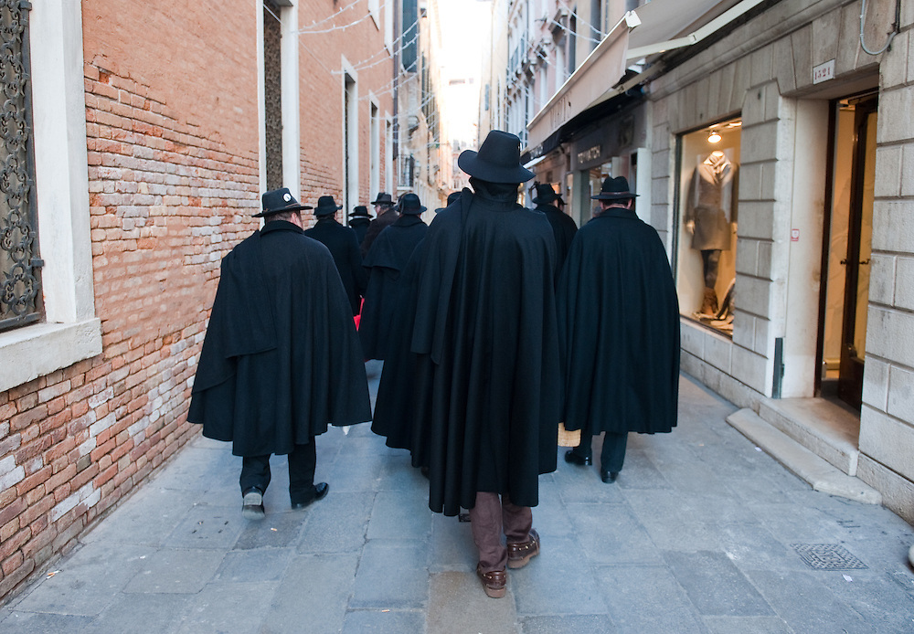 Osti e Tabarri d Asolo in visita a Venezia..HOW TO LICENCE THIS PICTURE: please contact us via e-mail at sales@xianpix.com or call our offices in Milan at (+39) 02 400 47313 or London   +44 (0)207 1939846 for prices and terms of copyright. First Use Only ,Editorial Use Only, All repros payable, No Archiving.© MARCO SECCHI