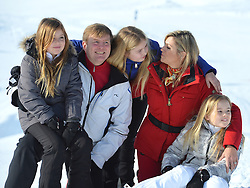 22.02.2016, Lech, AUT, Fototermin mit der Niederländischen Königsfamilie in Lech am Arlberg, im Bild Count Claus-Casimir, Prinzessin Alexia,Countess Leonore, Prinzessin Beatrix, Prinzessin Amalia, Countess Eloise, und Prinzessin Ariane, from left to right, // Count Claus-Casimir, Princess Alexia,Countess Leonore, Princess Beatrix, Princess Amalia, Countess Eloise, and Princess Ariane, from left to right, pose for photographers during a photo session in the Austrian skiing resort of  in Lech, on Monday, Feb. 22, 2016. The Dutch Royal family is currently spending their winter vacation in the western Austrian province of Vorarlberg. Lech, Austria on 2016/02/22. EXPA Pictures © 2016, PhotoCredit: EXPA/ Stringer