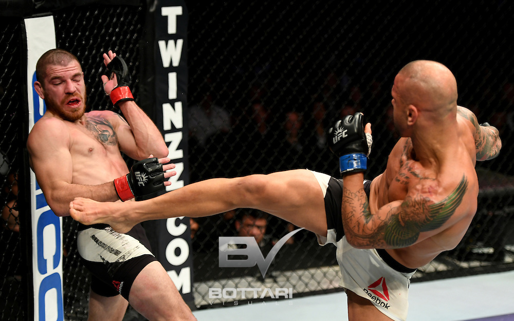 NEW YORK, NY - NOVEMBER 12:  Thiago Alves of Brazil (right) fights against Jim Miller of the United States in their lightweight bout during the UFC 205 event at Madison Square Garden on November 12, 2016 in New York City.  (Photo by Jeff Bottari/Zuffa LLC/Zuffa LLC via Getty Images)