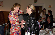 Julie Peyton-Jones and Sydney Finch. Lunch party for Brooke Shields hosted by charles finch and Patrick Cox. Mortons. Berkeley Sq. 6 July 2005. ONE TIME USE ONLY - DO NOT ARCHIVE  © Copyright Photograph by Dafydd Jones 66 Stockwell Park Rd. London SW9 0DA Tel 020 7733 0108 www.dafjones.com