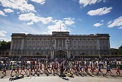 August 13, 2017 - London, STORBRITANNIEN - 170813 TÅvlande i 20 km gÅ'ng framfÅ¡r Buckingham Palace under dag tio av friidrotts-VM den 13 augusti 2017 i London  (Credit Image: © Joel Marklund/Bildbyran via ZUMA Wire)