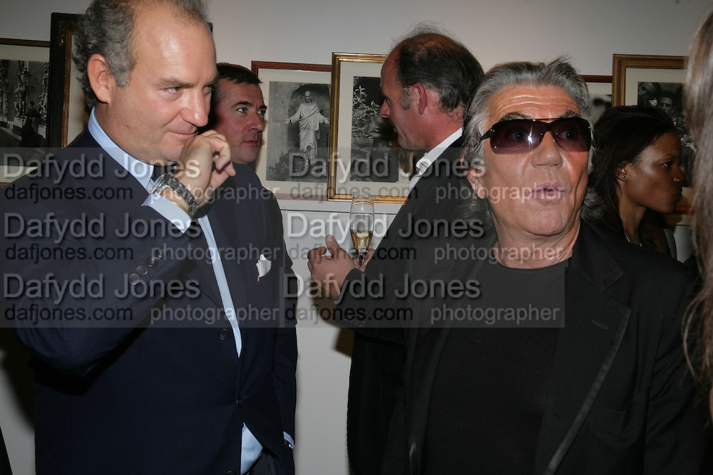 Charles Finch and Roberto Cavalli, Michael Roberts - book launch party hosted by Vanity Fair to celebrate  publication, Shot In Sicily. Hamiltons Gallery, 13 Carlos Place, London,17 September 2007. -DO NOT ARCHIVE-© Copyright Photograph by Dafydd Jones. 248 Clapham Rd. London SW9 0PZ. Tel 0207 820 0771. www.dafjones.com.