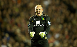 22.10.2011, Anfield Stadion, Liverpool, ENG, PL, FC Liverpool - Norwich City, im Bild Norwich City's goalkeeper John Ruddy celebrates his side's equalising 1-1 goal against Liverpool during the Premiership match at Anfield // during the Premier League football match between FC Liverpool - Norwich City, at Anfield Stadium, Liverpool, United Kingdom on 22/10/2011. EXPA Pictures © 2011, PhotoCredit: EXPA/ Propaganda Photo/ David Rawcliff +++++ ATTENTION - OUT OF ENGLAND/GBR+++++