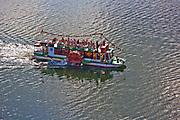 Czorsztyn, 2008-08-27. Statek wycieczkowy na Jeziorze Czorsztyńskim