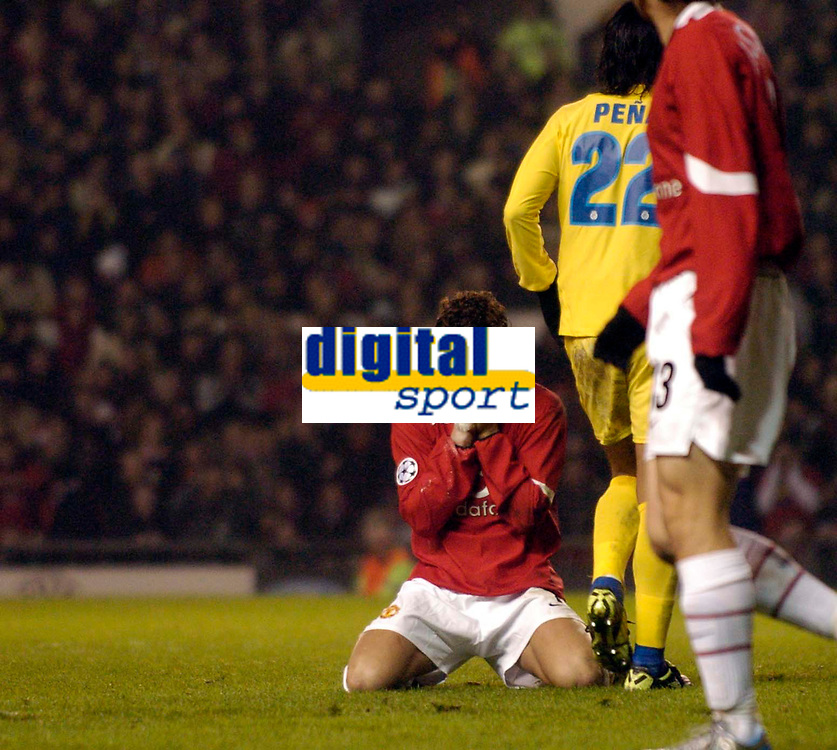 Photo: Jed Wee.<br /> Manchester United v Villarreal. UEFA Champions League.<br /> 22/11/2005.<br /> <br /> Manchester United's Cristiano Ronaldo rues a missed chance.