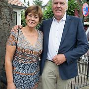 NLD/Blaricum/20160906 - Willibrord Frequin viert 75 ste verjaardag in Moeke Spijkstra, Rita Verdonk en partner Peter Willems