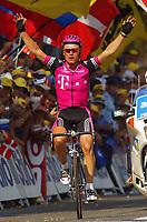 Sykkel<br /> Tour de France 2003<br /> Foto: Digitalsport<br /> <br /> NORWAY ONLY<br /> <br /> CYCLING - TOUR DE FRANCE 2003 - STEP9 - BOURG D'OISANS > GAP - 14072003 - PHOTO: ERIC LALMAND / PHOTO NEWS / DPPI<br /> ALEXANDRE VINOKOUROV (KAZ) / TEAM TELEKOM - WINNER