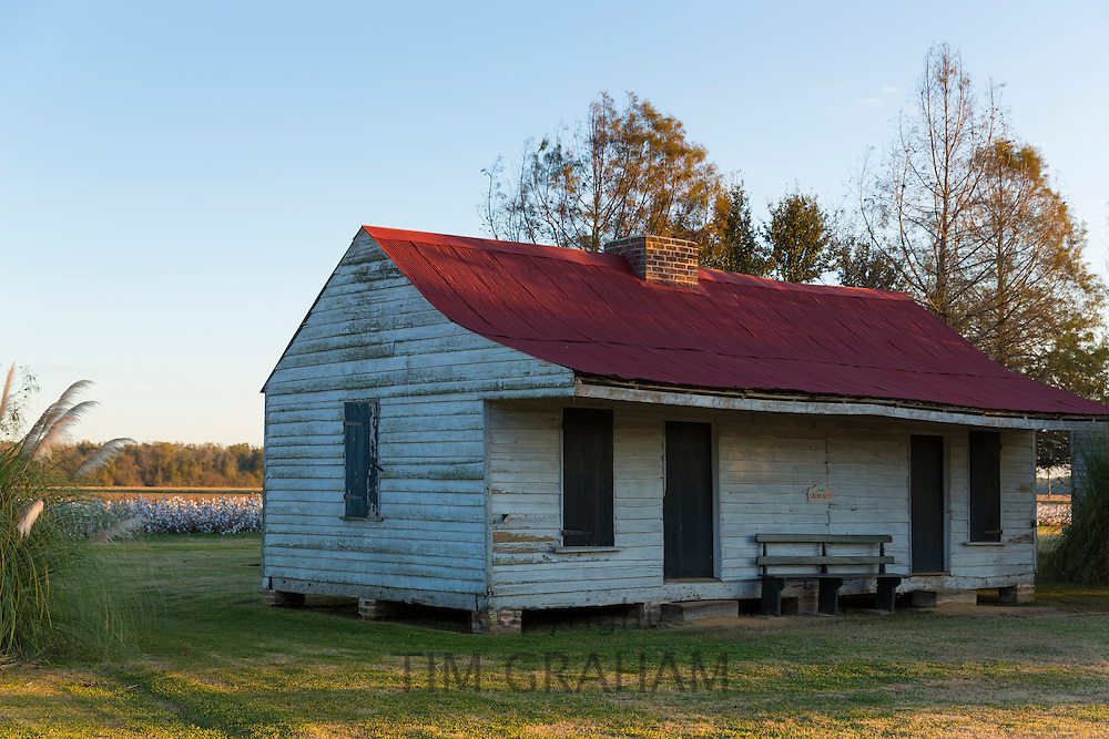 Preserved slave quarters shacks at cotton plantation at Frogmore Farm in Ferriday, the Deep South, Louisiana, USA