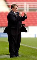 Photo: Leigh Quinnell.<br /> Swindon Town v Boston United. Coca Cola League 2. 30/09/2006. Boston boss Steve Evans predicts the final score.