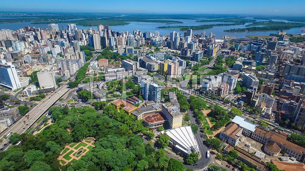A Universidade Federal do Rio Grande do Sul (UFRGS) é uma instituição de ensino superior pública mantida pelo Governo Federal do Brasil. Fundada em 1934, situa-se em Porto Alegre, capital do Rio Grande do Sul, com uma área de aproximadamente 22 km2. FOTO: Jefferson Bernardes/ Agência Preview