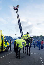 © Licensed to London News Pictures; 30/04/2020; Bristol, UK. Avon Fire and Rescue erect an extendable ladder outside the Intensive Care Unit at Southmead Hospital as Emergency Service workers and the public clap outside Southmead Hospital at 8pm on Thursday evening to applaud NHS health service workers during the coronavirus Covid-19 pandemic. Photo credit: Simon Chapman/LNP.