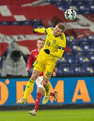 Carl Starfelt (Sverige) under venskabskampen mellem Danmark og Sverige den 11. november 2020 på Brøndby Stadion (Foto: Claus Birch).