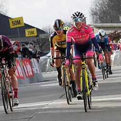 4-03-2021: Wielrennen: GP Oetingen: Oetingen: Elisa Balsamo wint in Oetingen voor Jolien D'Hoore en Marianne Vos