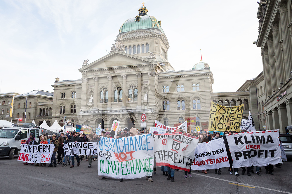 SCHWEIZ - BERN - Klimastreik in Bern auf dem Bundesplatz - 18. Januar 2019 © Raphael Hünerfauth - http://huenerfauth.ch