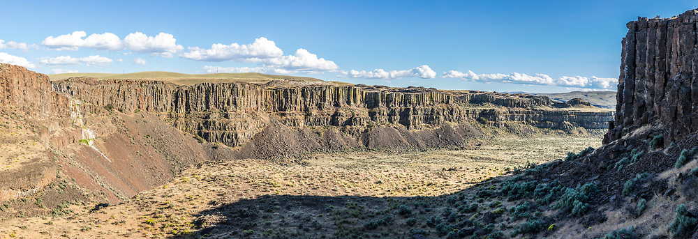A rocky desert landscape. Echo Basin, Eastern Washington, USA.