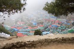 """THEMENBILD - Namche Bazaar. Wanderung im Sagarmatha National Park in Nepal, in dem sich auch sein Namensgeber, der Mount Everest, befinden. In Nepali heißt der Everest Sagarmatha, was übersetzt """"Stirn des Himmels"""" bedeutet. Die Wanderung führte von Lukla über Namche Bazar und Gokyo bis ins Everest Base Camp und zum Gipfel des 6189m hohen Island Peak. Aufgenommen am 24.05.2018 in Nepal // Trekkingtour in the Sagarmatha National Park. Nepal on 2018/05/24. EXPA Pictures © 2018, PhotoCredit: EXPA/ Michael Gruber"""