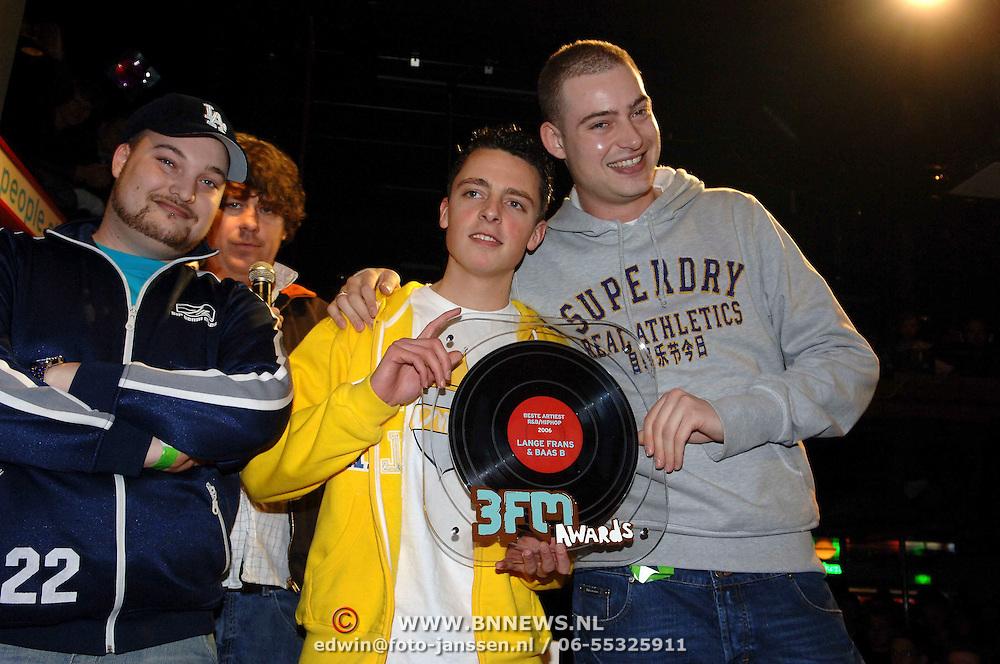 NLD/Amsterdam/20060312 - Uitreiking 3FM awards 2006, Beste Artiest R&B / Hip Hop, Lange Frans Frederiks & Baas B.