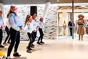 Midden-Groningen, 15-09-2021,  Huis van Cultuur en Bestuur<br /> <br /> Koningin Maxima tijdens de opening in Hoogezand het Huis van Cultuur en Bestuur van de gemeente Midden-Groningen. Hierin zijn de bibliotheek, de muziekschool, theater Kielzog en het gemeentehuis ondergebracht. FOTO: Brunopress/Patrick van Emst<br /> <br /> Queen Maxima during the opening in Hoogezand the House of Culture and Administration of the municipality of Midden-Groningen. The library, the music school, the Kielzog theater and the town hall are housed here.