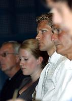 Friidrett<br /> 20.07.2010<br /> Foto: Morten Olsen, Digitalsport<br /> <br /> Pressekonferanse Norges Fri-idrettsforbund<br /> Ullevaal Stadion<br /> Anledning av at kappgjengeren Erik Tysse har avlagt en positiv dopingprøve<br /> <br /> Erik Tysse (3L)
