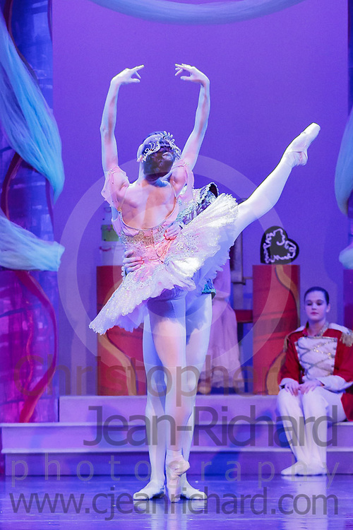 PAPA   WBE -- 2013 Nutcracker<br /> <br /> Students of the Payne Academy of Performing Arts and the Woodlands Ballet Ensemble in the dress rehearsal of the Nutcracker with guest artists Christiana Bennett and Christopher Anderson of Ballet West.<br /> <br /> The Woodlands College Park High School Theatre<br /> The Woodlands, TX