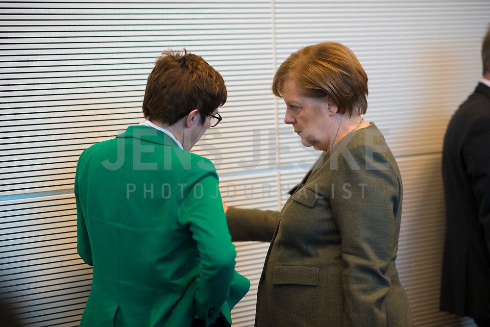 DEU, Deutschland, Germany, Berlin, 12.03.2019: Bundeskanzlerin Dr. Angela Merkel und CDU-Chefin Annegret Kramp-Karrenbauer vor Beginn der Fraktionssitzung der CDU/CSU.