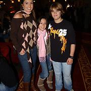 Premiere De Kleine Zeemeermin, Rosanna Lima en dochter Demi en Bob Tensen, zoon Caroline
