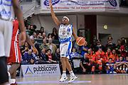 DESCRIZIONE : Beko Legabasket Serie A 2015- 2016 Dinamo Banco di Sardegna Sassari - Olimpia EA7 Emporio Armani Milano<br /> GIOCATORE : Josh Akognon<br /> CATEGORIA : Palleggio Schema Mani<br /> SQUADRA : Dinamo Banco di Sardegna Sassari<br /> EVENTO : Beko Legabasket Serie A 2015-2016<br /> GARA : Dinamo Banco di Sardegna Sassari - Olimpia EA7 Emporio Armani Milano<br /> DATA : 04/05/2016<br /> SPORT : Pallacanestro <br /> AUTORE : Agenzia Ciamillo-Castoria/L.Canu
