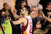 DESCRIZIONE : Roma Lega A 2014-15 <br /> Acea Virtus Roma - Giorgio Tesi Group Pistoia<br /> GIOCATORE : Rok Stipcevic <br /> CATEGORIA : post game esultanza mani tifosi <br /> SQUADRA : Acea Virtus Roma<br /> EVENTO : Campionato Lega A 2014-2015 <br /> GARA : Acea Virtus Roma - Giorgio Tesi Group Pistoia<br /> DATA : 22/03/2015<br /> SPORT : Pallacanestro <br /> AUTORE : Agenzia Ciamillo-Castoria/N. Dalla Mura<br /> Galleria : Lega Basket A 2014-2015  <br /> Fotonotizia : Roma Lega A 2014-15 Acea Virtus Roma - Giorgio Tesi Group Pistoia