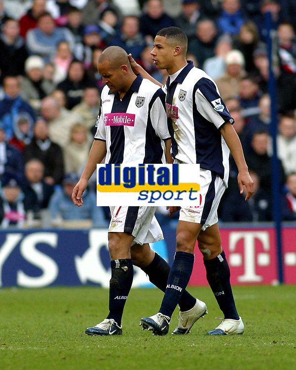 Photo: Dave Linney.<br />West Bromwich Albion v Middlesbrough. The Barclays Premiership. 26/02/2006West Brom's .Nigel Quashie(L) makes his way off the pitch after being sent off.