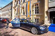 DEN HAAG, 28-09-2021, Holocaust Namenmonument <br /> <br /> Koning Willem Alexander tijdens een werkbezoek aan de Kanselarij der Nederlandse Orden in Den Haag. <br /> De Kanselarij der Nederlandse Orden is de ambtelijke organisatie achter het Nederlandse decoratiestelsel en ondersteunt het Kapittel voor de Civiele Orden en het Kapittel der Militaire Willems-Orde bij hun advisering over voorstellen voor Koninklijke onderscheidingen. <br /> <br /> FOTO: Brunopress/POOL/Lex van Lieshout