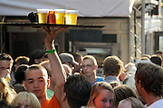 Nederland, Nijmegen, 19-7-2013Drukte in de binnenstad tijdens de zomerfeesten. Terrassen in het centrum van de stad. De vierdaagsefeesten zijn het grootste evenement van Nederland. Foto: Flip Franssen/Hollandse Hoogte