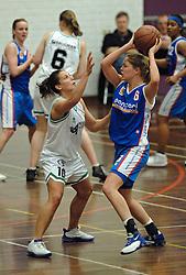 20-04-2005 BASKETBAL: LEVI - PERIK JUMPERS: AMSTERDAM<br /> Levi Amsterdam, wint de eerste playoff wedstrijd met 85-65 / Melissa Pater (l) en Tanya Broring<br /> ©2005-WWW.FOTOHOOGENDOORN.NL