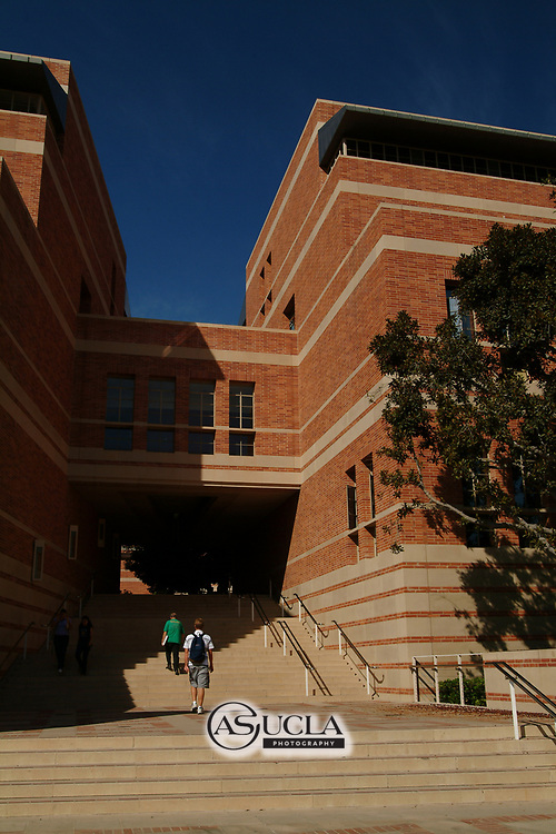 ASUCLA Photography Archive-  Exterior image of UCLA Anderson School of Management, University of California Los Angeles, Westwood, California.<br /> Copyright: ASUCLA