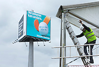 DEN HAAG - Reclamezuil met Interpolis reclame. Promodorp opbouw voor WK Hockey. COPYRIGHT KOEN SUYK