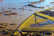 Nederland, Gelderland, De Voorster Klei , 20-01-2011; Gemaal Middelbeek, aan de grens van de Voorsterklei. Links van de bandijk de door het hoge water ondergelopen uiterwaard de Rammelwaard.Pumping-station Middelbeek  (bottom) on the bank of the river IJssel near Zutphen, high waters. .luchtfoto (toeslag), aerial photo (additional fee required).copyright foto/photo Siebe Swart