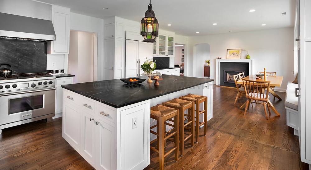 1025 Windswept home Kitchen with island