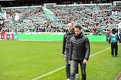 19.03.2016, Weserstadion, Bremen, GER, 1. FBL, SV Werder Bremen vs 1. FSV Mainz 05, 27. Runde, im Bild Thomas Eichin, Sportdirektor, Geschaeftsfuehrer von Werder Bremen, vorne, dahinter Viktor Skripnik,Trainer von Werder Bremen // during the German Bundesliga 27th round match between SV Werder Bremen and 1. FSV Mainz 05 at the Weserstadion in Bremen, Germany on 2016/03/19. EXPA Pictures © 2016, PhotoCredit: EXPA/ Eibner-Pressefoto/ Schmidbauer<br /> <br /> *****ATTENTION - OUT of GER*****
