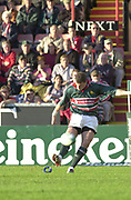 Leicester, Welford Road, Leicestershire, 30/09/2001, Tim Stimpson,  during the,  Heineken Cup, match, Leicester Tigers vs Llanelli, Heineken Cup,<br /> [Mandatory Credit: Peter Spurrier/Intersport Images],<br /> Leicester Tigers v Llanelli Euro Cup  <br /> 29/9/01