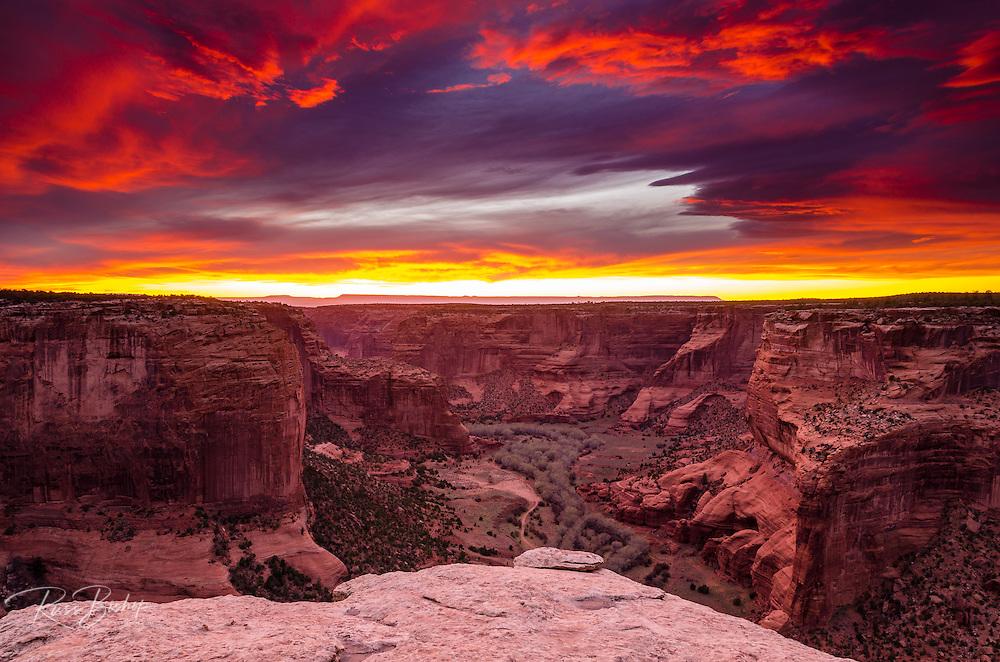 Sunset over Canyon de Chelly, Canyon de Chelly National Monument, Arizona USA
