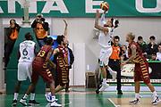 DESCRIZIONE : Siena Lega A 2013-14 Montepaschi Siena Umana Venezia<br /> GIOCATORE : daniel hackett<br /> CATEGORIA : controcampo<br /> SQUADRA : Montepaschi Siena<br /> EVENTO : Campionato Lega A 2013-2014<br /> GARA : Montepaschi Siena Umana Venezia<br /> DATA : 11/11/2013<br /> SPORT : Pallacanestro <br /> AUTORE : Agenzia Ciamillo-Castoria/GiulioCiamillo<br /> Galleria : Lega Basket A 2013-2014  <br /> Fotonotizia : Siena Lega A 2013-14 Montepaschi Siena Umana Venezia<br /> Predefinita :