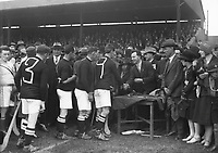 H881 Aonach Tailteann Athletics - Croke Park. Hurling America v Ireland.16/08/1928. (Part of the Independent Newspapers Ireland/NLI Collection)