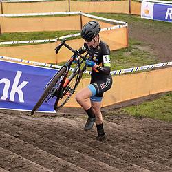 11-01-2020: Wielrennen: NK Veldrijden: Rucphen <br />Leonie Bentveld pakt de titel bij de nieuweling meisjes