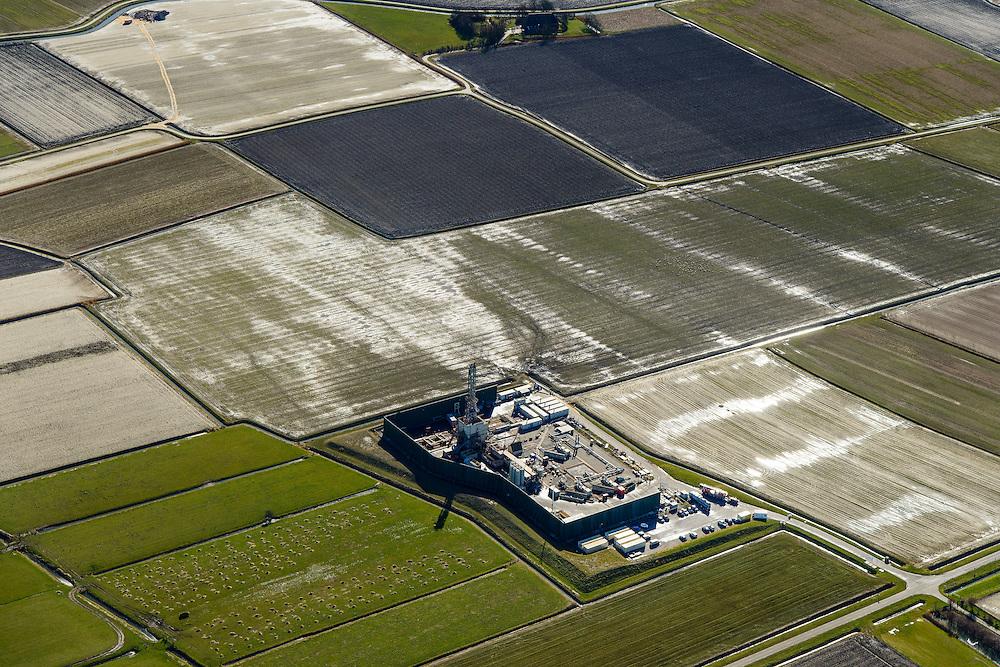 Nederland, Friesland, Gemeente Dongeradeel, 28-02-2016; NAM-locatie in Moddergat aan de Mokselbankwei. Installatie voor het doen van proefboringen voor aardgas. Omstreden want gelegen aan de Waddenzee.<br /> Installation for doing test drilling for natural gas, northern Friesland.<br />  <br /> luchtfoto (toeslag op standard tarieven);<br /> aerial photo (additional fee required);<br /> copyright foto/photo Siebe Swart