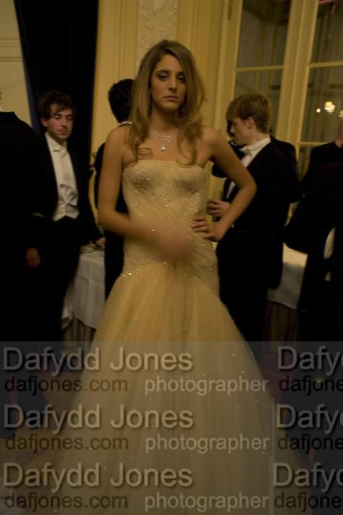 COMTESSE ANNA DE PAHLEN, Crillon Debutante Ball 2007,  Crillon Hotel Paris. 24 November 2007. -DO NOT ARCHIVE-© Copyright Photograph by Dafydd Jones. 248 Clapham Rd. London SW9 0PZ. Tel 0207 820 0771. www.dafjones.com.
