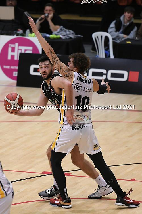 Taylor Hawks Jordan Hunt in action in the Sal's NBL Basketball match, Taylor Hawks v EnviroNZ Bulls, Pettigrew Green Arena, Napier, Saturday, June 26, 2021. Copyright photo: Kerry Marshall / www.photosport.nz